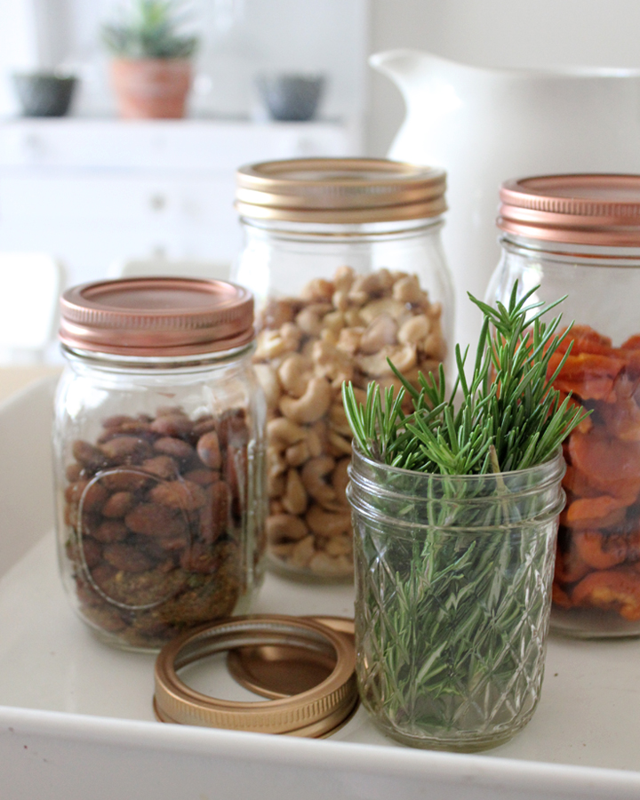 DIY Metallic Mason Jar Lids: Perfect for Kitchen Decor and Gifts