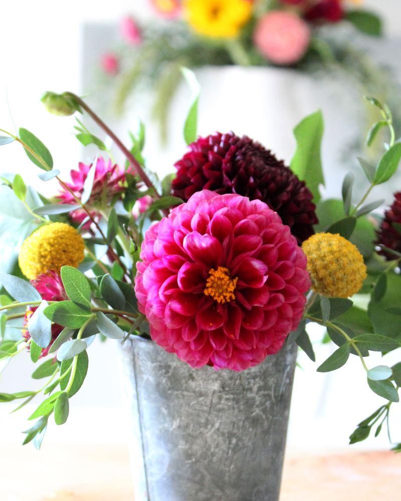 10 Fall Floral Arrangements, Including How To Use Dahlias!