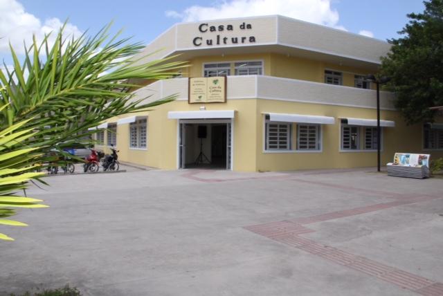 Resultado de imagem para Casa da Cultura e Biblioteca Municipal Prof. Pedro de França Reis
