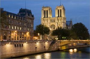 Petit pont Paryžius