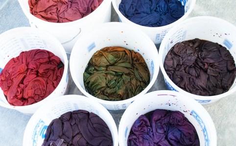 Cassandra Tondro dyeing