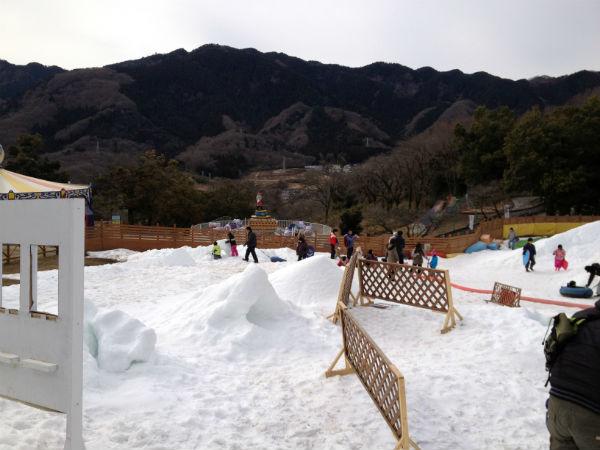相模湖プレジャーフォレストの雪あそび広場