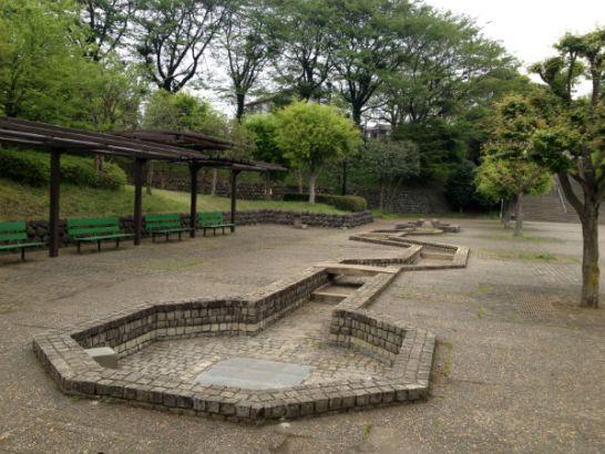 津久井又野公園の人工水路