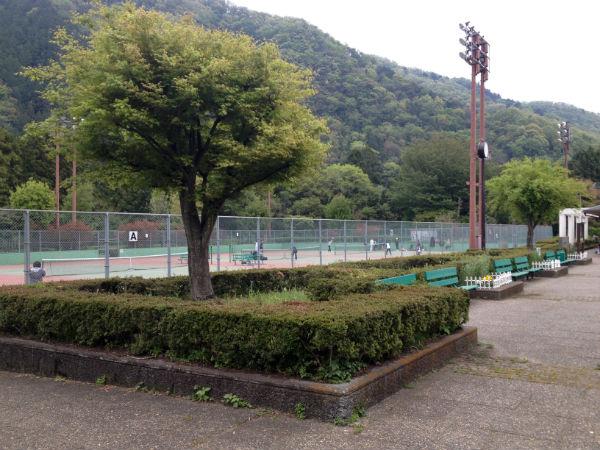 津久井又野公園のテニスコート