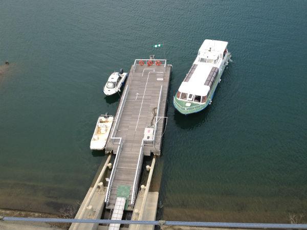 宮ケ瀬湖の遊覧船のりば