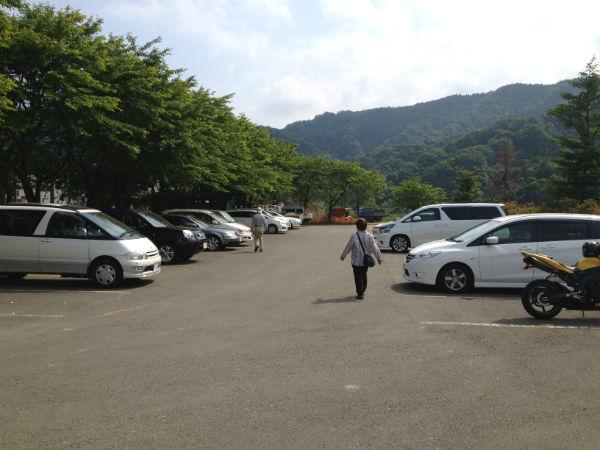 宮の平地区の駐車場