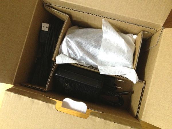 HDR-CX390の外箱開封