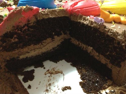 コストコのハーフシートチョコレートケーキの断面