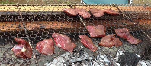 鹿の肉の炭火焼