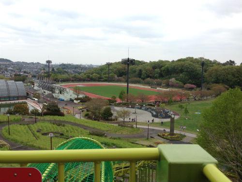 荻野運動公園滑り台のスタート地点からの景色