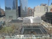 Twin memorial pools (สร้างขึ้นมาบนที่ตั้งของตึกสองตึกที่โดนเครื่องบินชน)