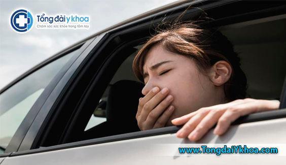 Say tàu xe là một phản ứng bình thường trước những kích thích xảy ra khi đi tàu xe, mà bản thân không thích nghi được.