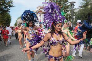 tanzende Menschen - Samba