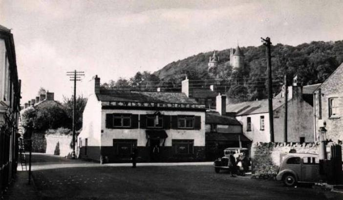 The Square Tongwynlais