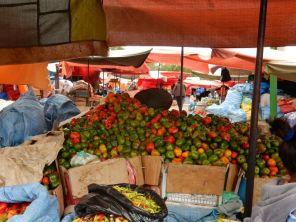 Riesiger Markt, täglich, jede Auswahl