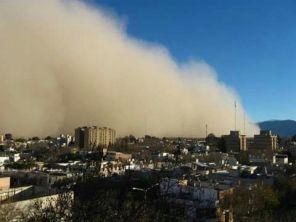 Sandsturm über der Stadt
