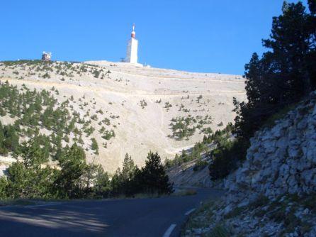 Mont Ventoux - DER Berg der Tour de France! Traumstraße jedes Radfahrers ... und Bikers!