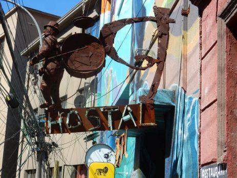 In Valparaiso, wo Kunst, Tourismus, Gewerbe aufeinander treffen