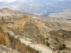 Die Straße von El Alto nach La Paz