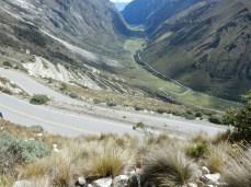 """Das """"Gewürm"""" vom Tunel Punta Olimpica nach Carhuaz - Höhenunterschied 1.100 m"""