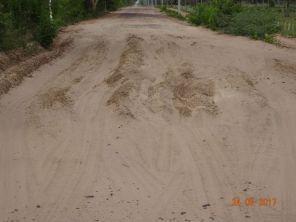 Das Sandloch hatte ich übersehen - Sturz vorprogrammiert.