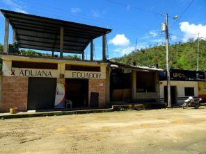 Grenze Peru - Ecuador / La Balsa, Zoll und Migracion ...