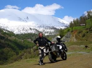 Über die Berge vom Kaspischen Meer nach Täbris - auf 2.200 m war es dann aus: Meterhoch Schnee