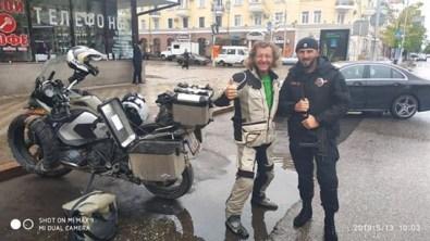 Grosny - sehr freundliche, aber auch sehr bestimmt auftretende Polizisten. Ich fühle mich sehr sicher in der Stadt.