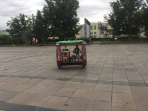 Chovd - Familienspaß am Hauptplatz.