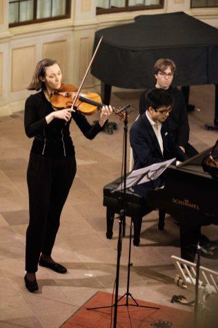 Lara Sophie Schmitt (Viola) und Toni Ming Geiger Foto: ©Andreas Malkmus