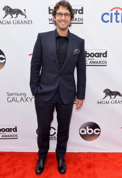 2014 Billboard Award josh-groban