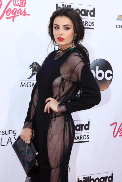 2014 billboard awards charli-xcx