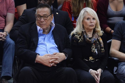 Is this woman Donald Sterling's new African American Boo?.. haha see Pictures