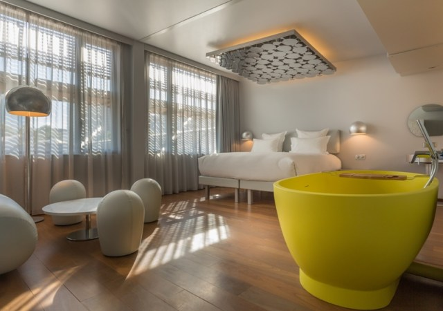 A Floating Hotel in Paris - designer silver suite
