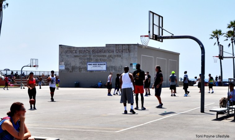 things-to-do-at-venice-beach-basketball-tennis