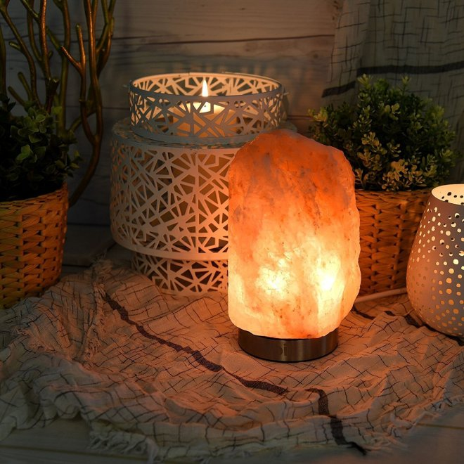 Himalayan salt lamp that is great for sleep hygiene