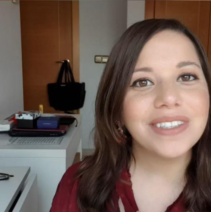 Sarina Hayon en uno de sus vídeos