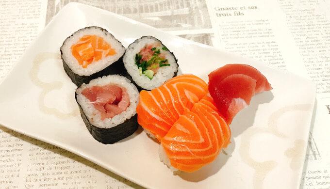 まぐろ3種とサーモン寿司(握りをさらに移した)
