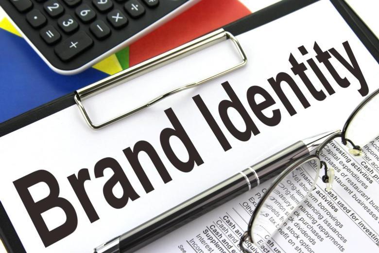 중요한 것은 점유율이 아니라, 브랜드 아이덴티티이다. More important thing is not market share, but brand identity.
