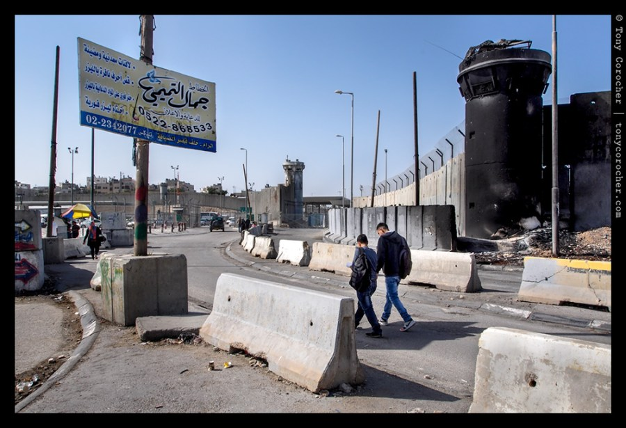 Palestinians walking to Kalandia checkpoint to get to Jerusalem - 2013 © Tony Corocher | All Rights Reserved