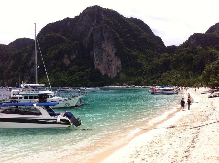 Barcos llegando a Phi Phi Don