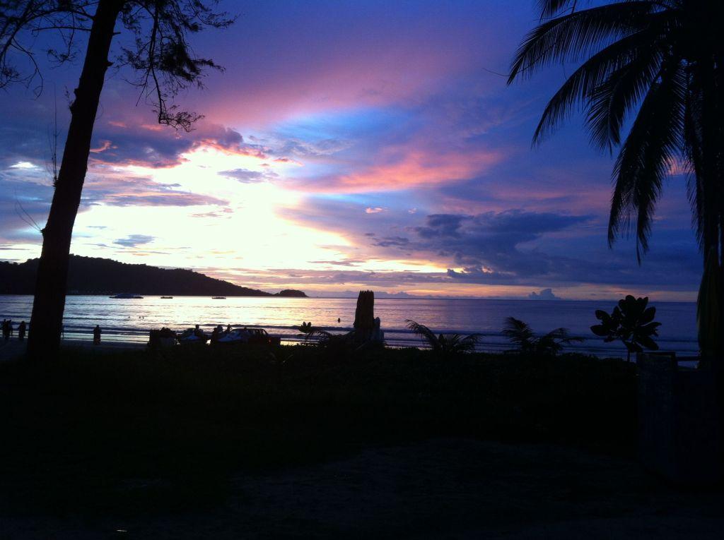 Atardecer en Patong Beach