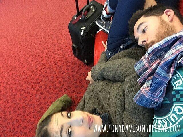 Aeropuerto Lyon-¡¡Cansados!!