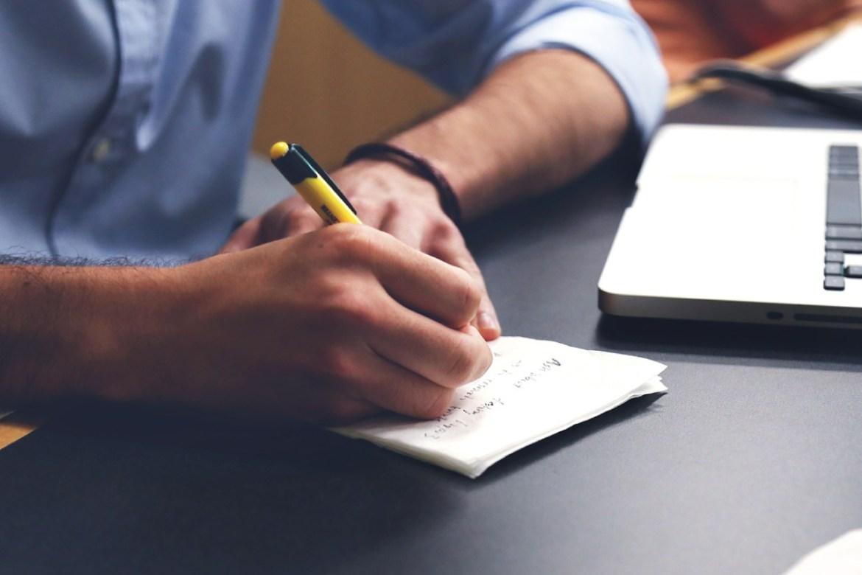TOEFL iBT กับ IELTS Academic ต่างกันอย่างไร? เลือกสอบตัวไหนดี?