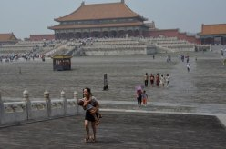 Here we see the typical naked-from-the-waist-down infant. This means that, somewhere in the Forbidden City, is a big pile of baby shit waiting to be slipped in.