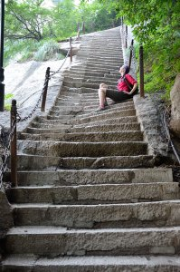 Hua-Shan-Roo-on-curvy-stairs