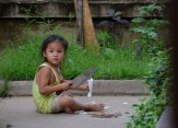 Little-girl-with-knife