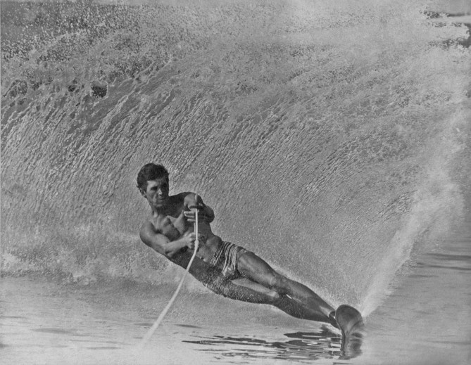 Mike_Murphy_Water_Skiing_Classic_Creative_Commons_Free_FullRes
