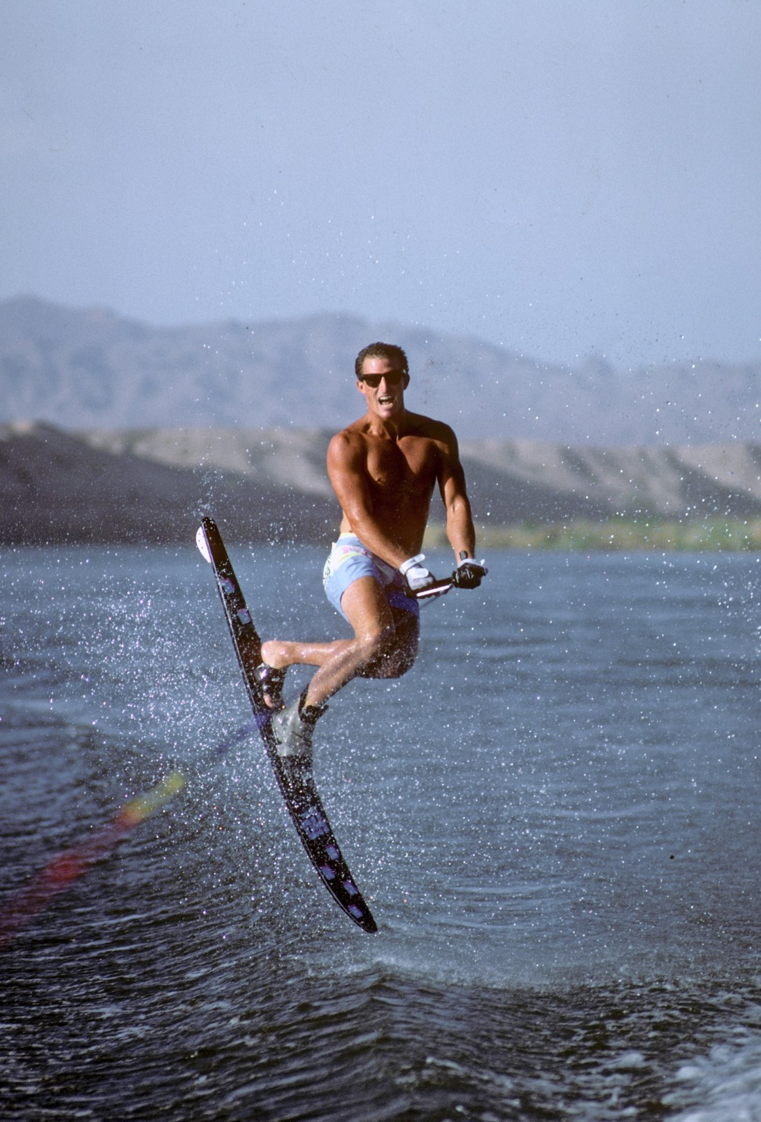 c_TonyKlarich.com_Water_Skiing_NOSHIRTMULEKICK_HotDog_Creative_Commons_Free_3MR