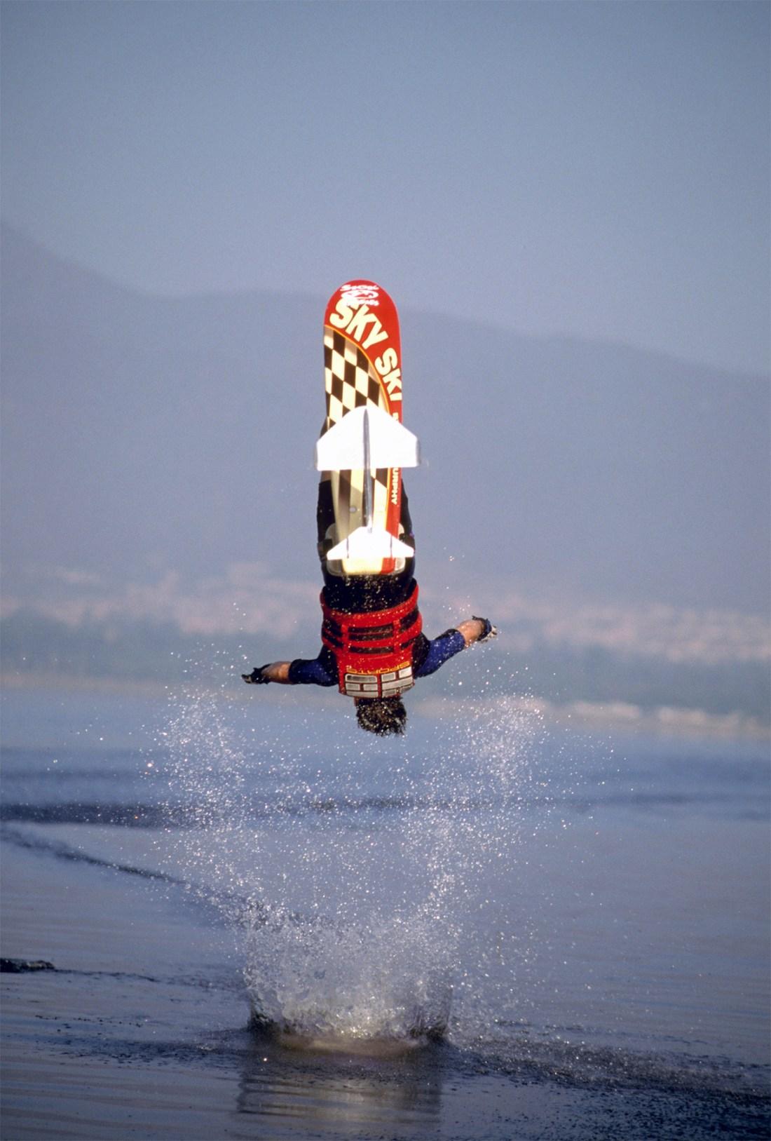 00_TonyKlarich.com_Water_Skiing_Hydrofoil_GAINERDISMOUNT_Creative_Commons_Free_3MR